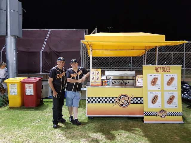 Diggetys-Hot-Dogs-event-Baseball-SA3