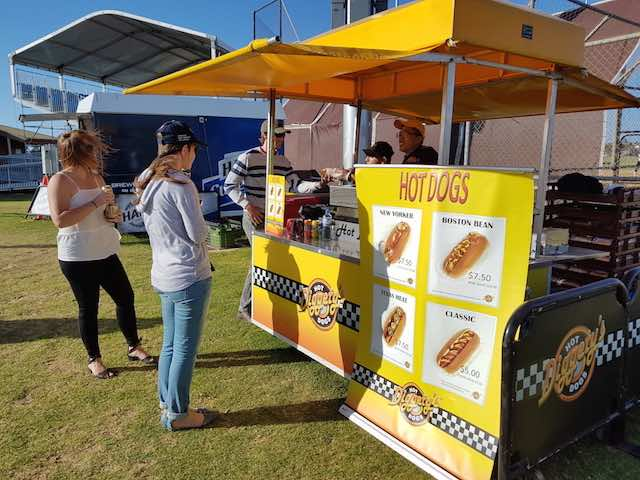 Diggetys-Hot-Dogs-event-Baseball-SA9