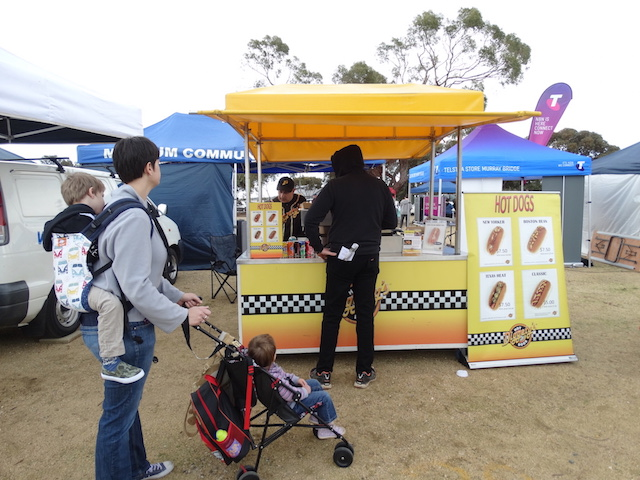 Diggetys-Hot-Dogs-event-Game-Obsession-Expo-Adelaide6