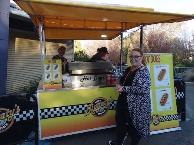 Diggetys-Hot-Dogs-event-Red-Robin-Market-Mt-Barker1